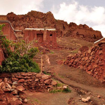 Деревня Абьяни в горах Ирана